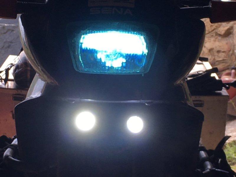 Hauptscheinwerfer statt der H4 Birne ein 35W Xenon Scheinwerfer