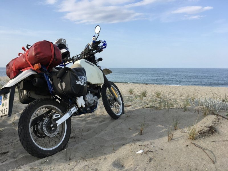 Motorrad am See