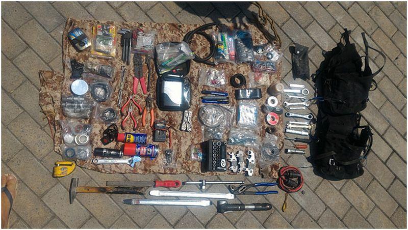 Werkzeuge, die Silke und Jan während ihrer Motorradreise benutzen